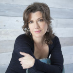 "Amy Grant Appears On ""Oprah: Where Are They Now?"""